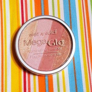 🌺Wet N Wild Mega Glo Highlighter
